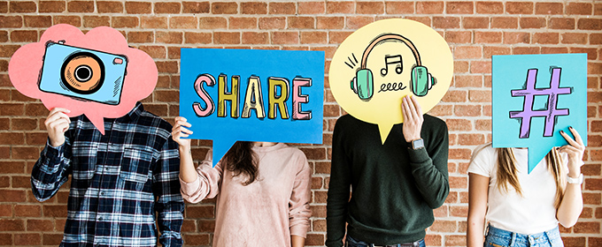 blogTitle-SocialMedia-Hashtag-Share
