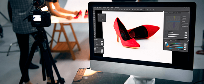 desktop con immagine di scarpe